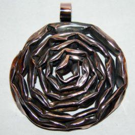 Wisior miedziany róża stylizowana