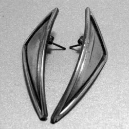 Kolczyki trójkąty na sztyfcie